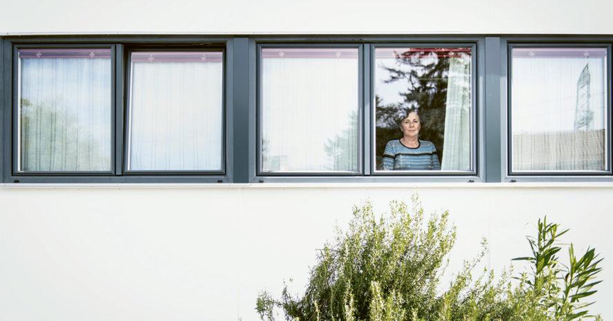 HEMISPHERES N°20 – Focus «spécial Covid-19» sur six recherches HES-SO – Âgisme: de bonnes intentions discriminatoires // www.revuehemispheres.com